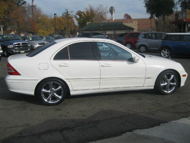 2004 mercedes benz c class c230 sport sedan details for 2004 mercedes benz c230 sport