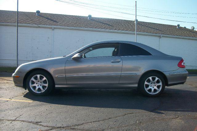 2004 Mercedes-Benz CLK-Class LT 1500 DVD W/monitorflex Fuel 4X4
