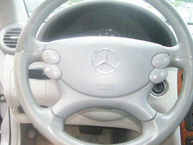 2004 Mercedes-Benz CLK-Class 3.0L Luxury W/moonroofleather