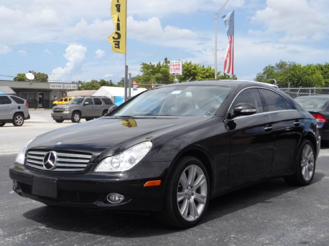 2008 Mercedes-Benz CLS-Class Extended VERY LOW Miles
