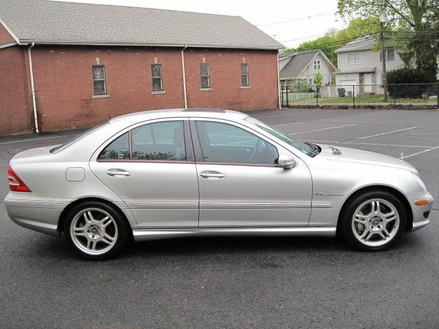Mercedes benz c class c32 amg v6 kompressor sedan 2002 for Mercedes benz c class service b