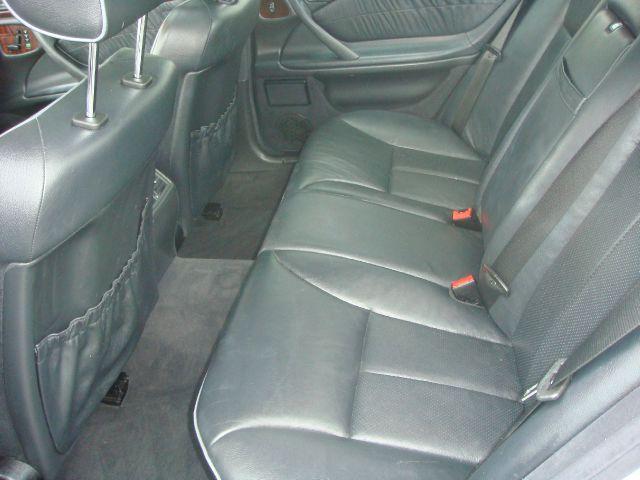 2000 Mercedes-Benz E-Class SXT