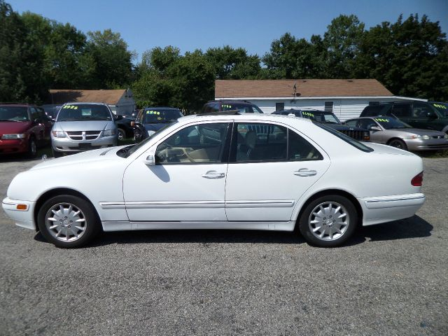 2000 mercedes benz e class e320 details round lake for 2000 mercedes benz e class e320