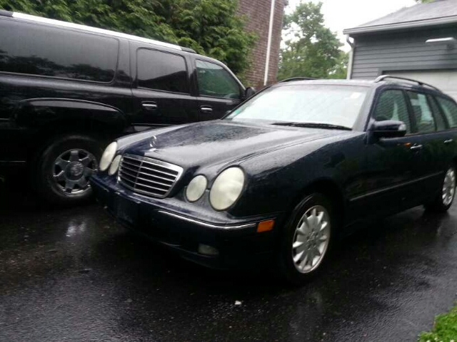 2002 Mercedes-Benz E-Class Technology Package