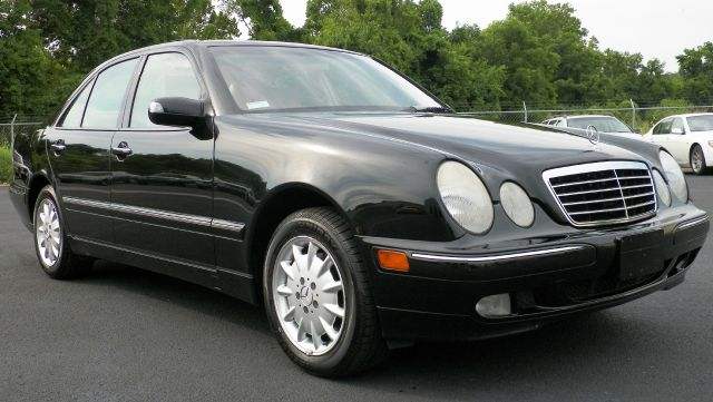 2002 Mercedes-Benz E-Class 750li Xdrive 1-ownerawdnavigation Sedan