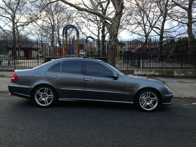 2005 Mercedes-Benz E-Class Type-s 6 Speed Black ON