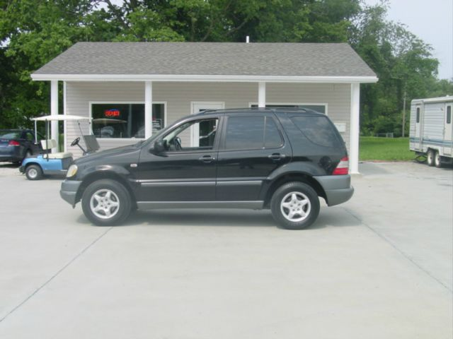 1999 Mercedes-Benz M-Class AWD Wagon Automatic VERY NICE