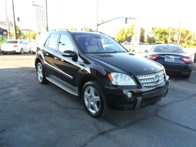 2008 Mercedes-Benz M-Class Sport - 4x4 Loaded