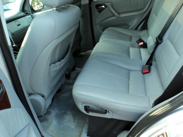 2001 Mercedes-Benz M Class 3500 SLT Dually