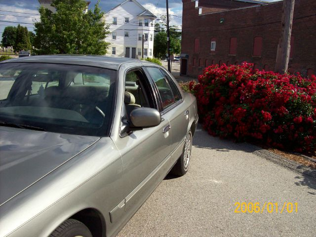 2002 Mercury Grand Marquis XLS