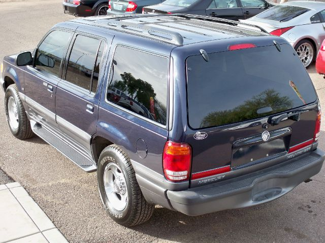 2001 Mercury Mountaineer EX - DUAL Power Doors