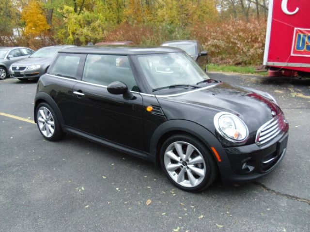 2013 mini cooper quad cab slt 4x4 details cranston ri 02910. Black Bedroom Furniture Sets. Home Design Ideas