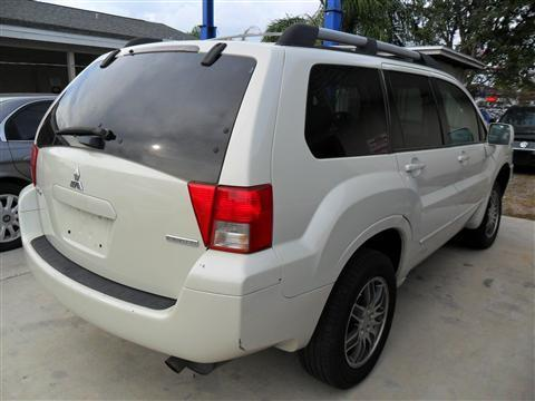 2004 Mitsubishi Endeavor Yaris Sedan