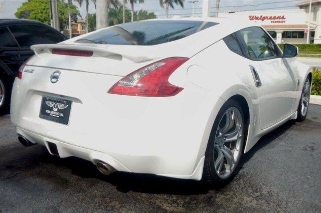 2012 Nissan 370Z 5DR 7-pass VAN I4 FWD