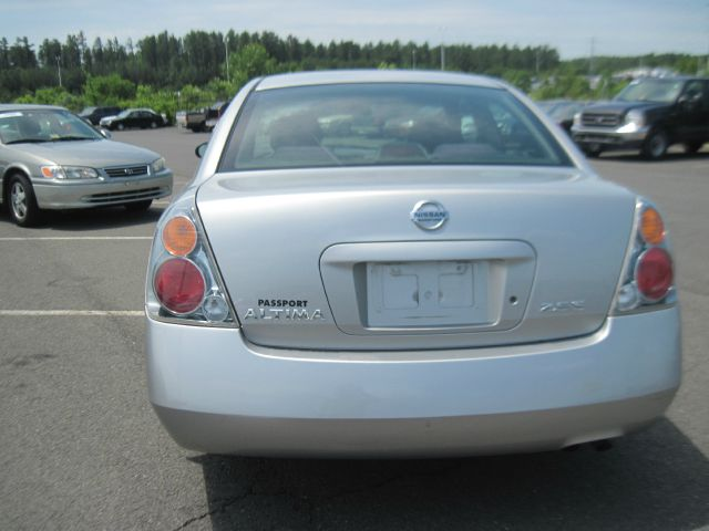 2004 Nissan Altima SLT Quad Cab 2WD