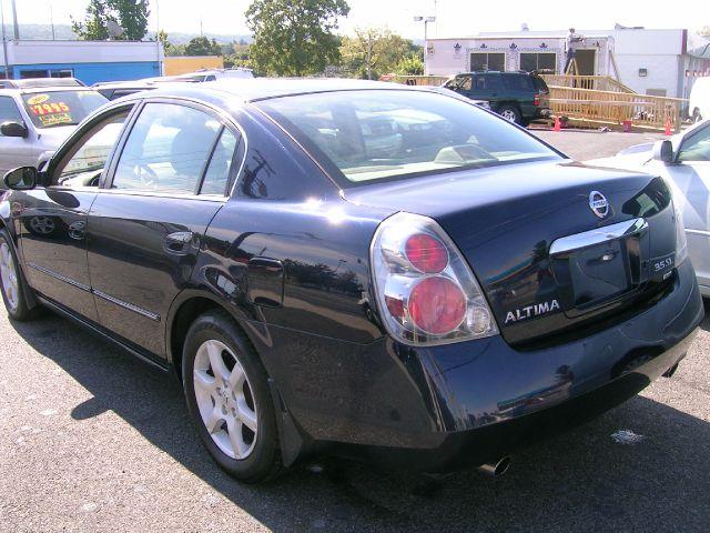 2005 Nissan Altima St Pickup 4d 5 1 2 Ft Details
