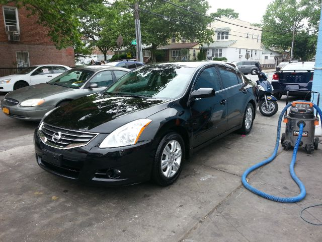 2011 Nissan Altima 2dr Cpe Performance Manual