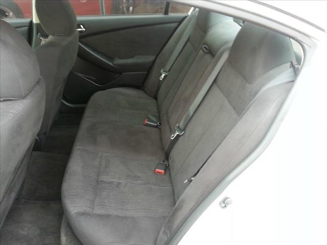 2012 Nissan Altima 4WD Crew Cab 140.5 Laramie