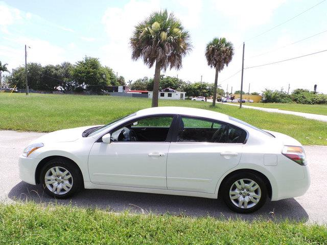2012 nissan altima quad short slt diesel 4wd cd player details west palm beach fl 33415. Black Bedroom Furniture Sets. Home Design Ideas