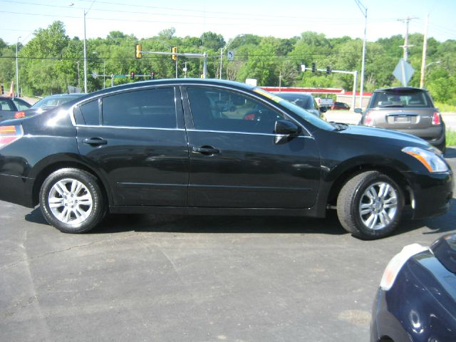 2012 Nissan Altima 2dr Cpe Performance Manual
