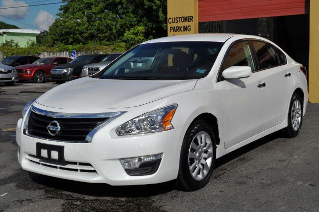 2013 Nissan Altima 2dr Cpe Performance Manual