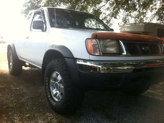 2000 Nissan Frontier XL Long Bed Crew Cab ~ 5.4L Gas