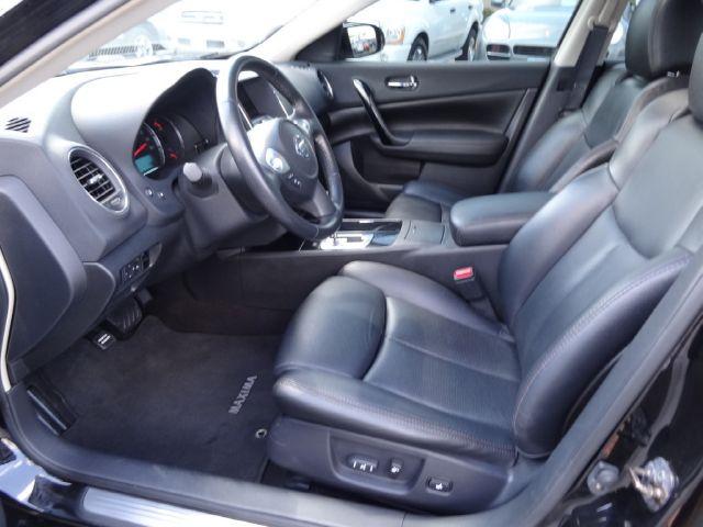 2010 Nissan Maxima XR