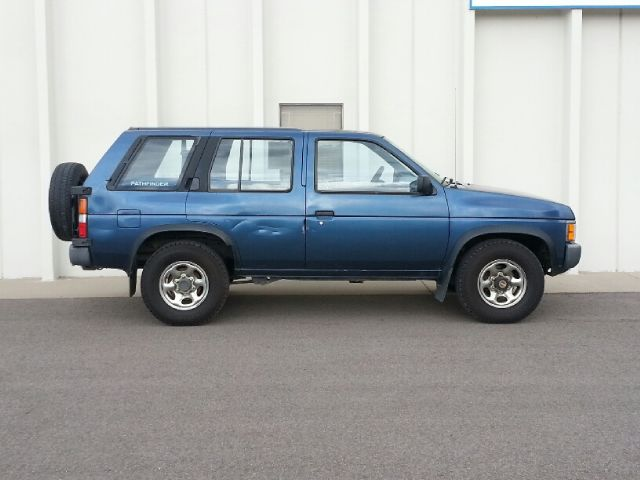 1995 Nissan Pathfinder X Custom