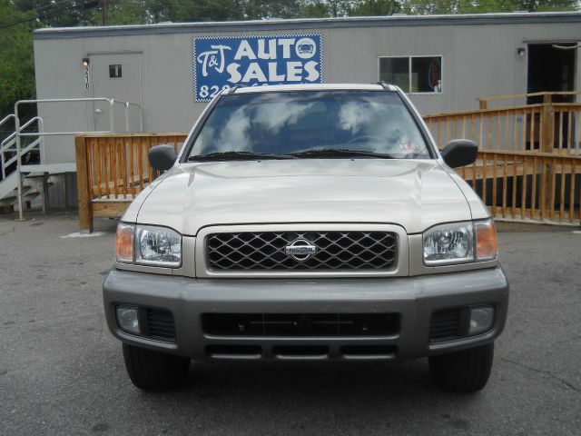 1999 Nissan Pathfinder LS Flex Fuel 4x4 This Is One Of Our Best Bargains