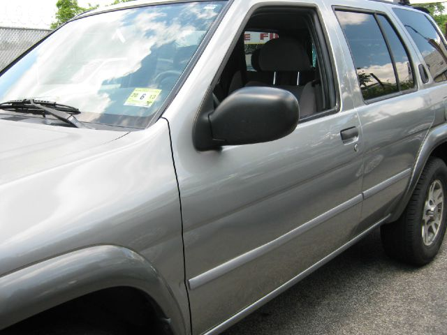 2001 Nissan Pathfinder EX-L W/ DVD System