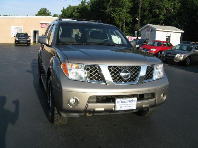 2006 Nissan Pathfinder EX-L W/ DVD System