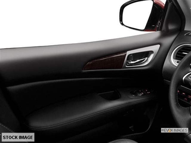 2014 Nissan Pathfinder 6 Speed Hatchback