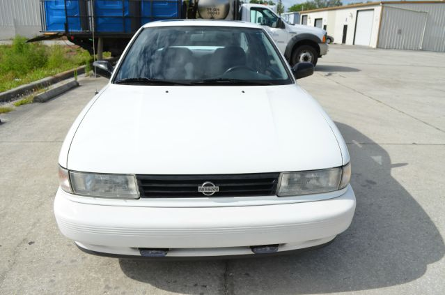 1992 Nissan Sentra Crew Cab Standard Box 4-wheel Drive SLE