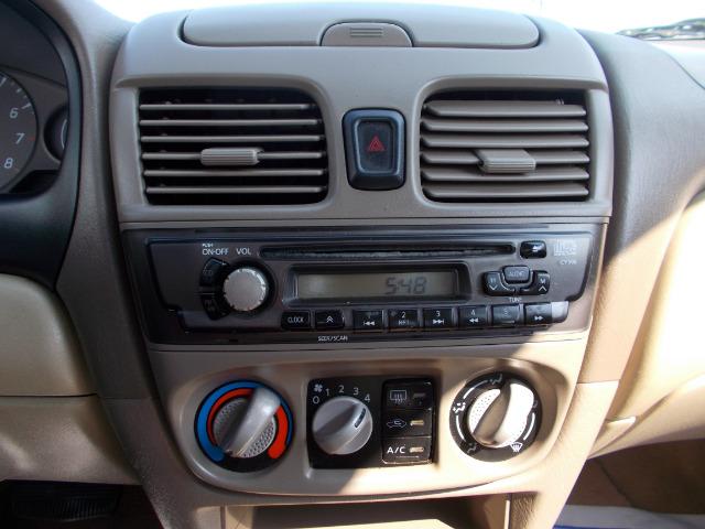 2002 Nissan Sentra LS Silverado 4x2