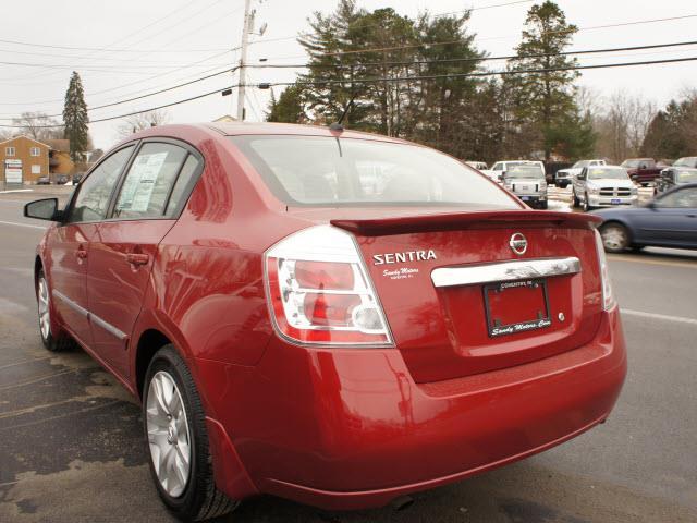 2012 Nissan Sentra 4matic 4dr 3.5L AWD SUV