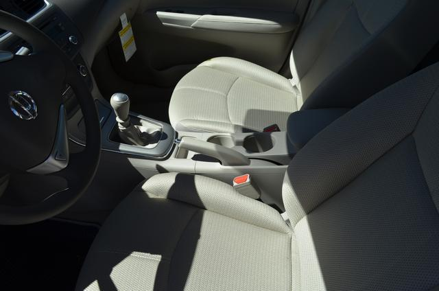 2013 Nissan Sentra Unknown