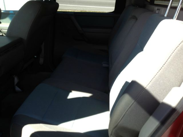 2005 Nissan Titan SE 2WD