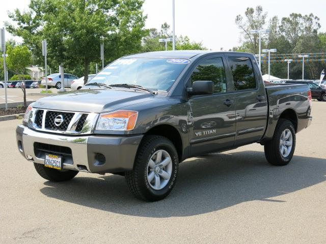 2011 nissan titan s sl pro 4x sv details folsom ca 95630. Black Bedroom Furniture Sets. Home Design Ideas