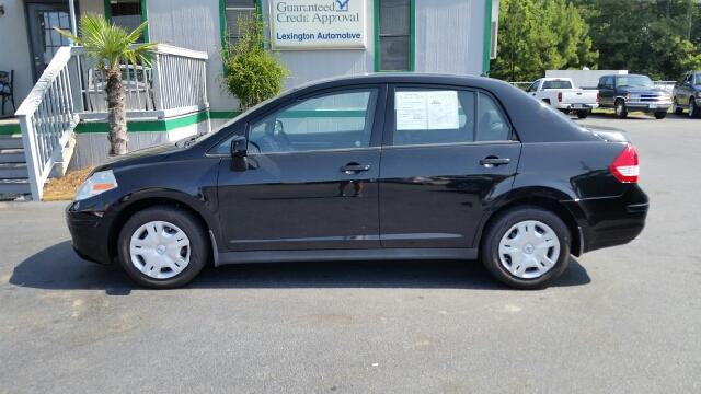 2010 Nissan Versa Crew Cab Standard Box 2-wheel Drive SLE