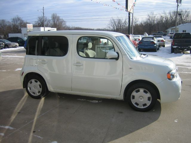 2010 Nissan cube Limited Access Cab 4WD