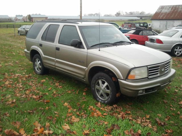 2000 Oldsmobile Bravada EX - DUAL Power Doors