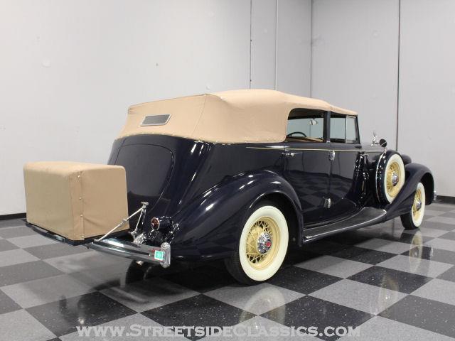 1935 Packard 8