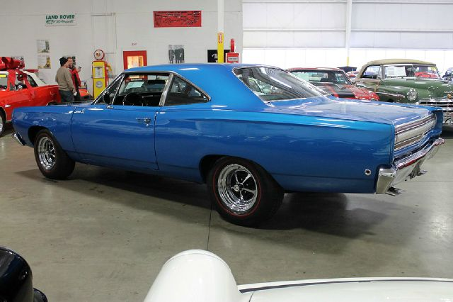 1968 Plymouth ROAD RUNNER DX 4x4