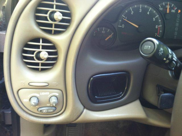 2003 Pontiac Bonneville 45