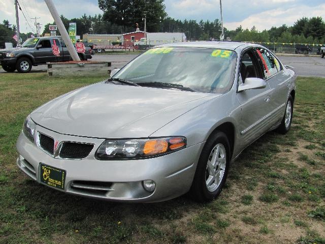 Pontiac Bonneville 2005
