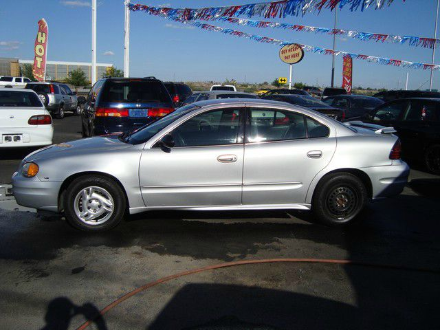 2005 Pontiac Grand Am Sport -5 Speed-stick-4x4