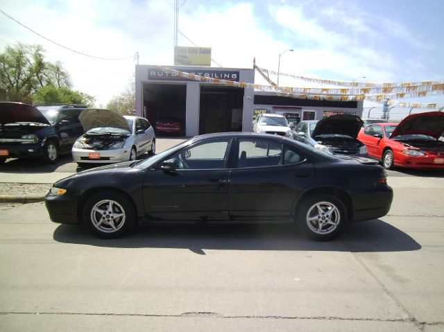 2000 Pontiac Grand Prix LS Flex Fuel 4x4 This Is One Of Our Best Bargains