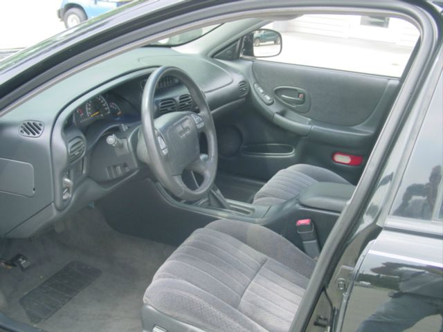 2000 Pontiac Grand Prix XUV SLE 4WD