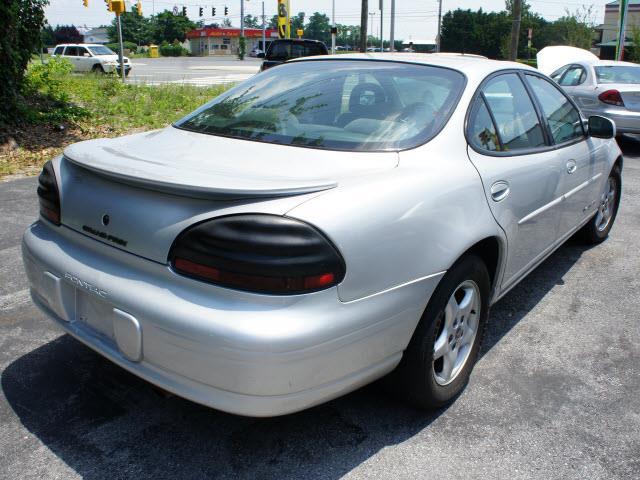 2001 Pontiac Grand Prix G2500 Van