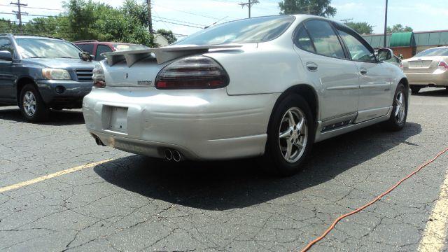 2003 Pontiac Grand Prix LS Flex Fuel 4x4 This Is One Of Our Best Bargains